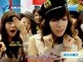 视频:韩国少女时代首现台湾 粉丝挤爆机场