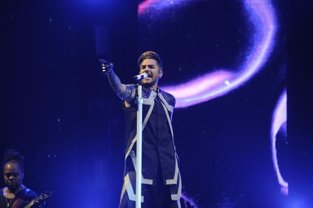 亚当·兰伯特上海演唱会近百万网友围观 新年首场摇滚狂欢