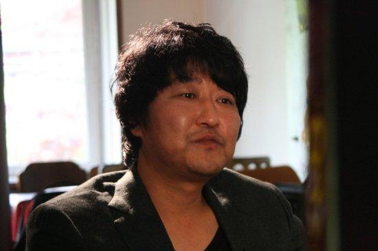 专访宋康昊:我不帅但很亲切 期待中韩加深交流