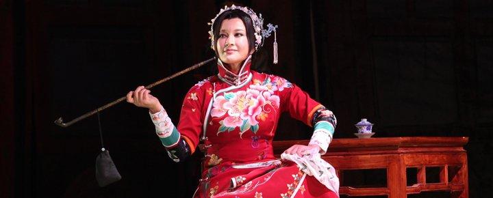 刘晓庆主演的话剧《风华绝代》已相继在全国数十个城市巡演过百场。