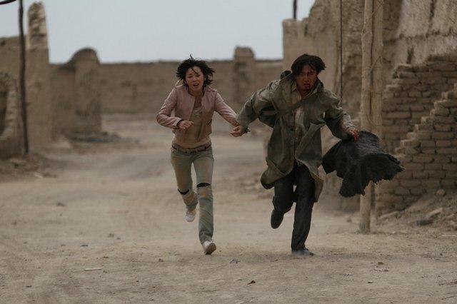 对于《无人区》结尾舍身救余男的戏份,徐峥直言还欠火候