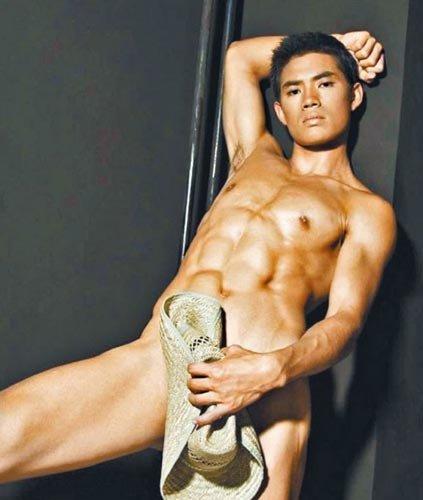 亚洲先生冠军被曝拍同性电影 全裸露私处[图]