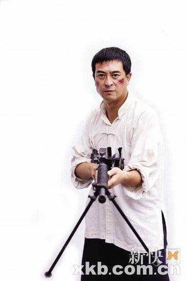 《借枪》PK《潜伏》:没有谍战剧的刀光剑影