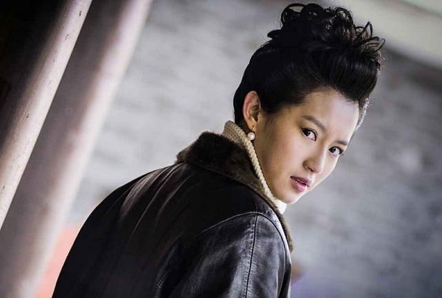 电视剧《古装》双台热播苏青演绎演员版潜伏香港雪海电视剧少女图片