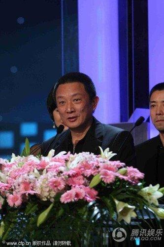 """""""白玉兰""""颁奖礼 张黎摘得最佳导演奖"""