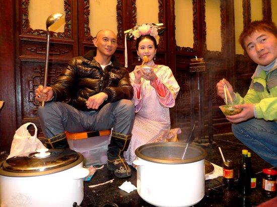 吴奇隆《步步惊心》片场煮羹汤 吴氏料理暖人心