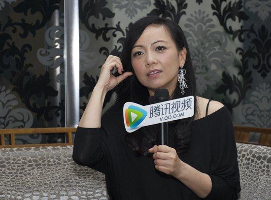 邓萃雯做客腾讯娱乐 坦言最喜欢李晟