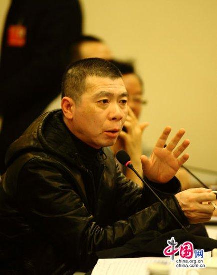 委员冯小刚谈电影审查制度:可以拍反省的电影