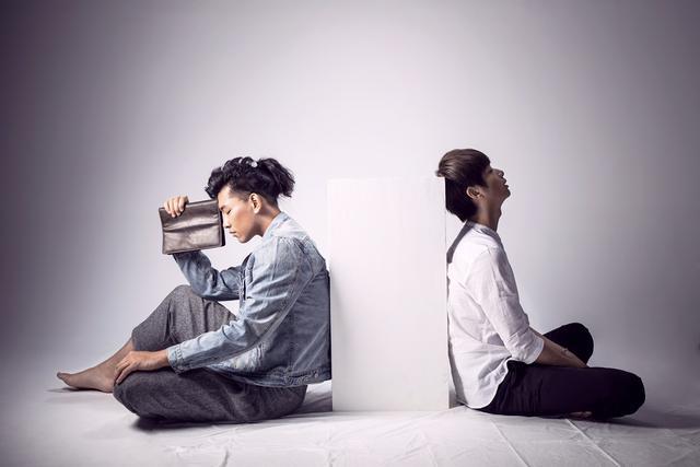 蔡照陈秋实发行首支单曲 完美诠释《两小无猜》