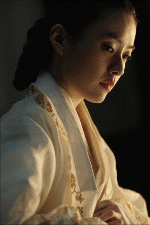《光海 成王的男人》曝剧照 古装女神韩孝珠