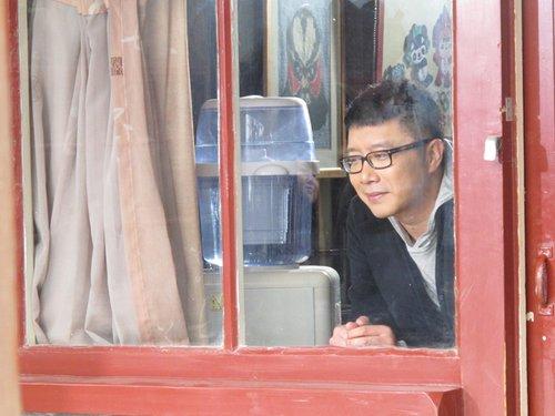 《幸福的两口子》拍高清MV 庞龙让幸福反璞归真