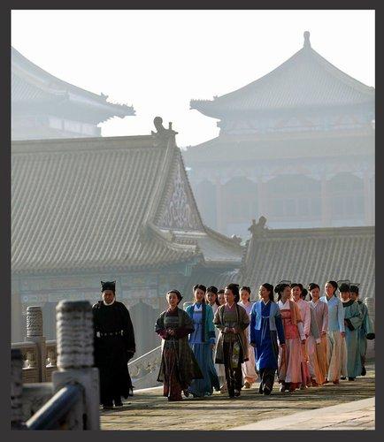 《天涯织女》女人开战 宫斗戏紧张激烈精彩纷呈