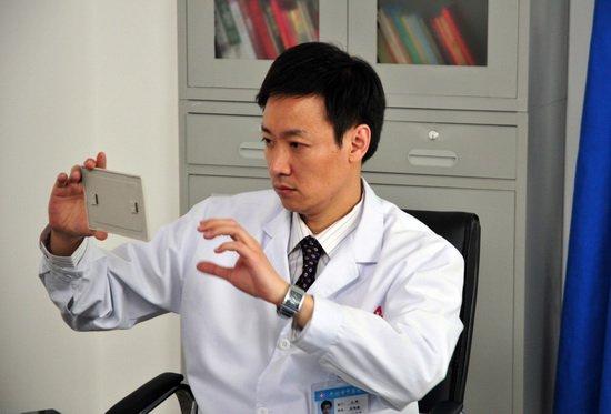 《幸福密码》成孩子王 辛柏青演儿科医生怪事多