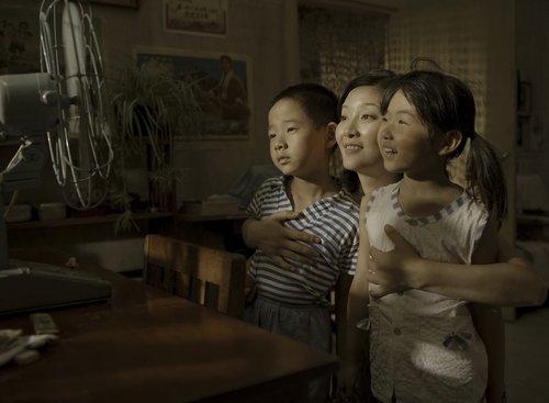 冯小刚谈《唐山大地震》:李元妮非徐帆莫属