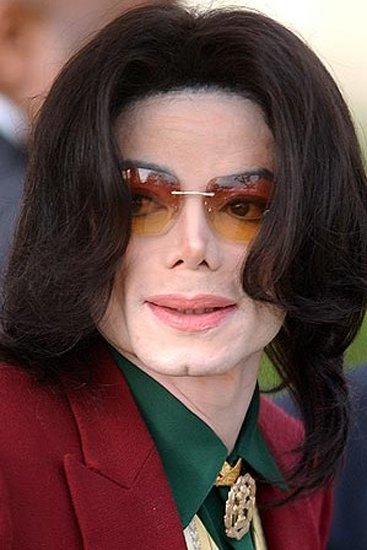 杰克逊吸毒新证据曝光 曾靠植入药物阻止毒瘾