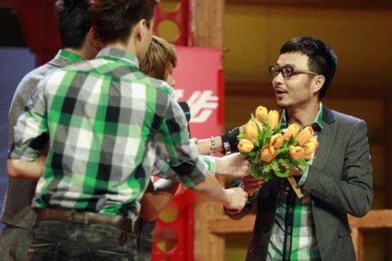 汪涵领衔青年领袖作客《天天向上》 被欧弟采访
