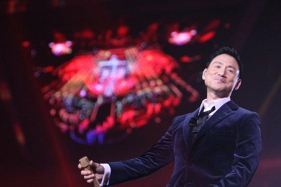 江苏卫视周杰伦苹果弹钢琴 孙杨为张学友击鼓