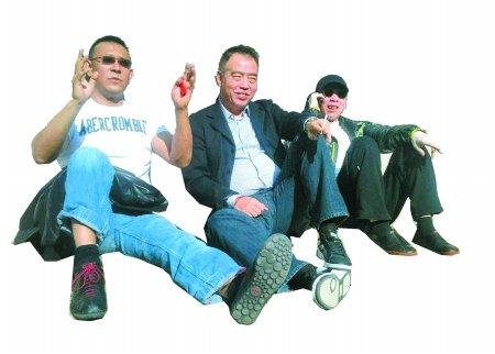 导演赚钱术:姜文站着 冯小刚躺着 更多人跪着