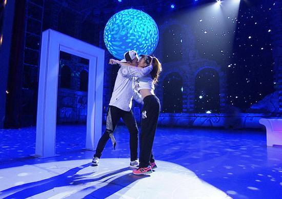 《好舞蹈》学员激吻引热议 蔡依林遭选手示爱