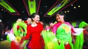"BTV推春节特辑 12台春晚联播打造""电视庙会"""
