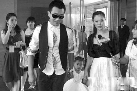 高云翔董璇否认奉子成婚 佟大为预定当孩子干爹