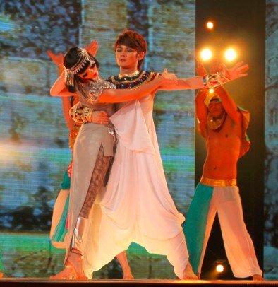 《舞林大会》巅峰对决 埃及艳后牛萌萌惊艳全场