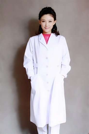 聂鑫《煮海》定妆照出炉 身披白袍演绎美女医生