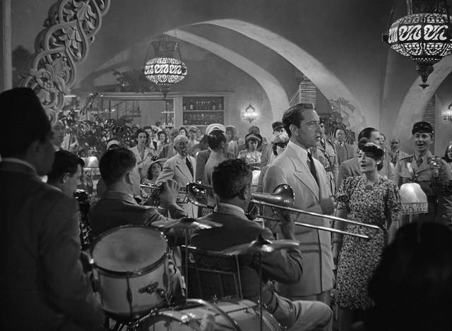 《卡萨布兰卡》:那么多城市,那么多酒吧
