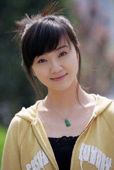 《风和日丽》上海热拍 吴楚为刘世晨剪掉长发