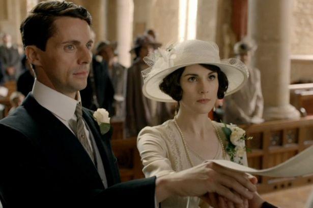 《唐顿庄园》结局 大小姐玛丽再入教堂终获幸福