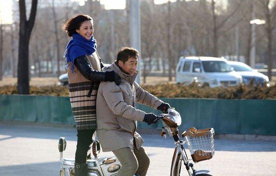 《老公的春天》热播 张歆艺戏里戏外独恋大叔