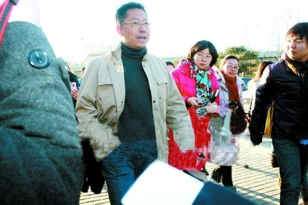李阳离婚案开庭前改口夸妻:心中有感恩和思念