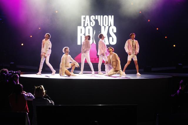 SWIN-S首秀闪烁Fashion Rocks 获皇冠体育在线平台投音义娱力赞