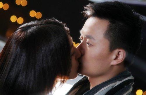《爱上女主播》吻照曝光 吴健杨谨华激吻不借位