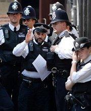 警察维持秩序