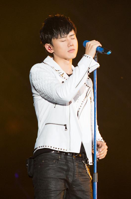 张杰 我想 巡演北京站震撼落幕 四万人狂欢谢娜助阵