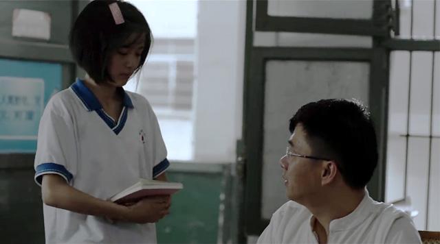 《明月的暑期日记》影评:调包日记粉饰孤独