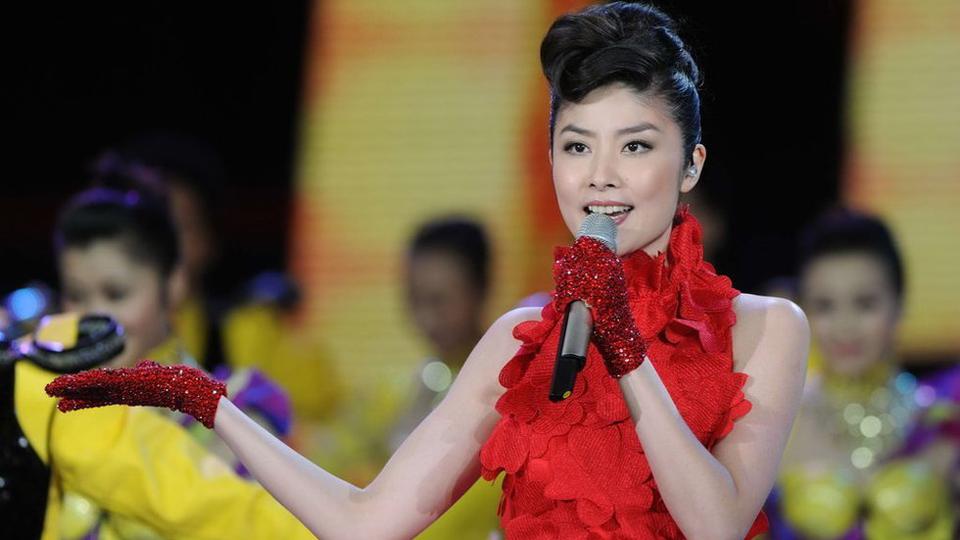 陈慧琳演唱歌曲《抱喜》