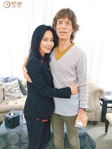 刘嘉玲澳门会滚石乐队 巧遇张震夫妇齐合照