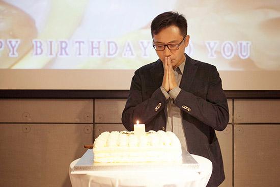 刘烨生日会低调温馨 王珞丹等低调现身(图)