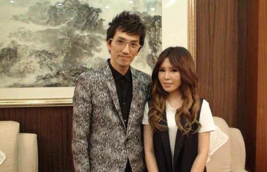 许艺娜亮相《歌声传奇》 林志炫传授演唱技巧