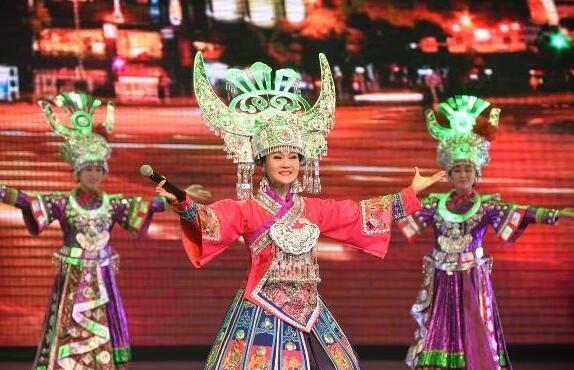 歌舞演出《多彩贵州风》展开巡演 人气爆棚
