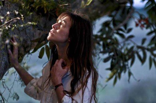 戛纳影展闭幕片公布 女导演新作《树》压台亮相