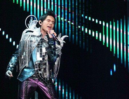 上海现周杰伦十年经典 演唱会女嘉宾不是蔡依林
