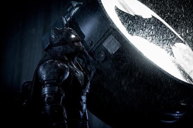 蝙蝠侠大战超人蝙蝠车