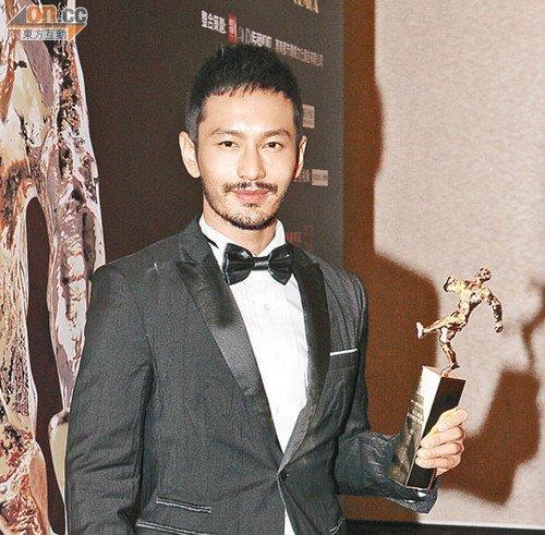 杨颖赴《建党伟业》首映 默认黄晓明是男友(图)