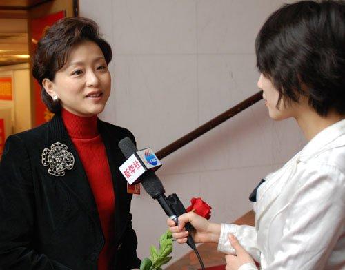 """明星""""把脉""""娱乐圈:宋祖英谈春晚姜昆说慈善"""