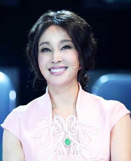 """刘晓庆自称仍是""""中国最好女演员"""""""