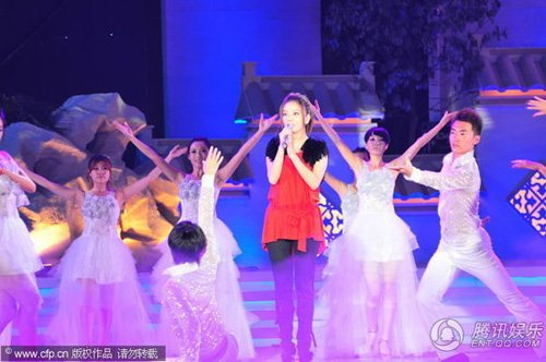 赵薇将为春晚跳开场舞 周杰伦玩魔术大变林志玲