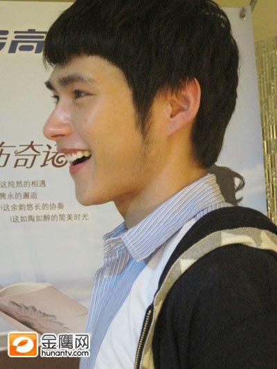 """西安快男明星脸突出 """"朱梓骁""""PK""""林俊杰"""""""